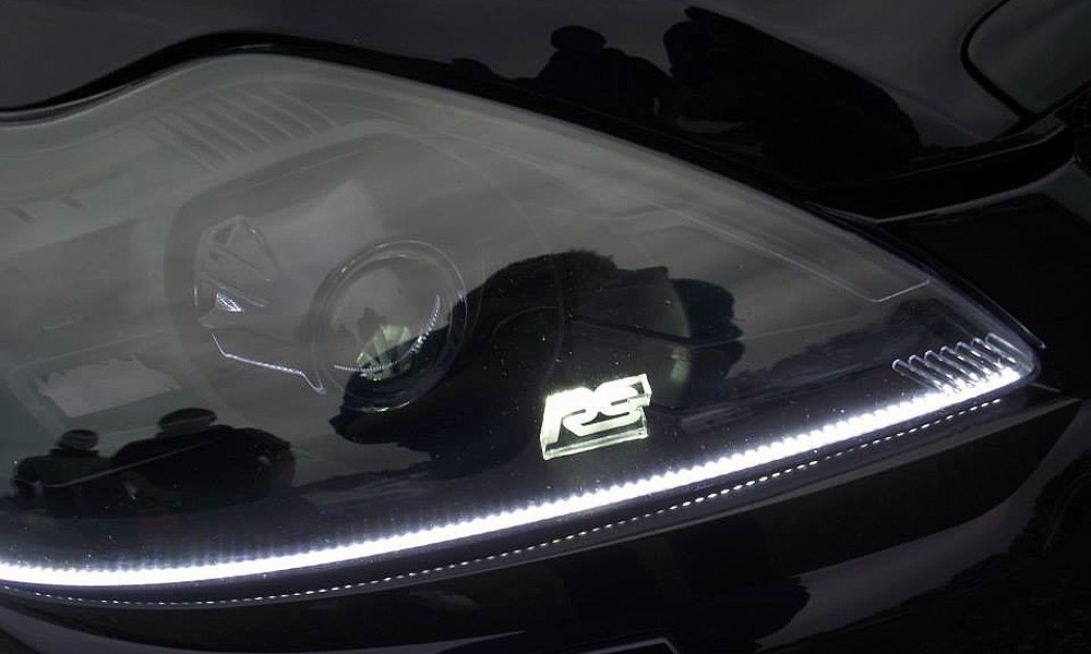 Offside Front Light Detail - 2015